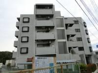 東京都世田谷区喜多見7丁目の賃貸マンションの外観
