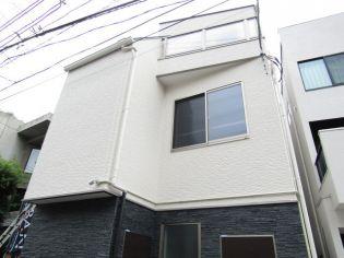 東京都港区南青山4丁目の賃貸アパートの外観