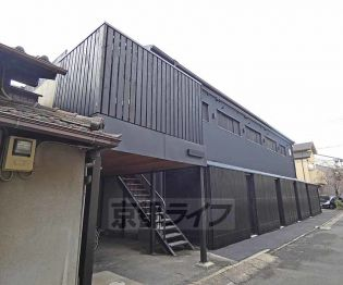 京都府京都市下京区朱雀正会町の賃貸アパートの外観