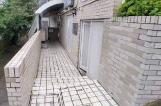 OYO LIFE #2747 ペガサスマンション百合ヶ丘[1階]の外観