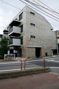 セジョリ三軒茶屋[3階]の外観