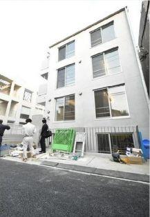 東京都渋谷区神宮前3丁目の賃貸マンションの外観