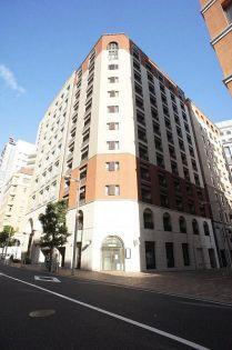 東京都港区東新橋2丁目の賃貸マンションの外観